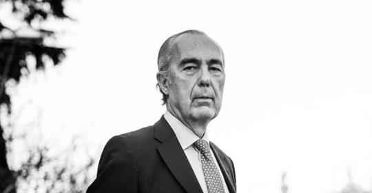 Luis Alberto de Cuenca, Premio Nacional de Poesía, presidente del Jurado del Premio Logroño de Narrativa, impulsado por el Ayuntamiento de Logroño, Algaida y Fundación Caja Rioja